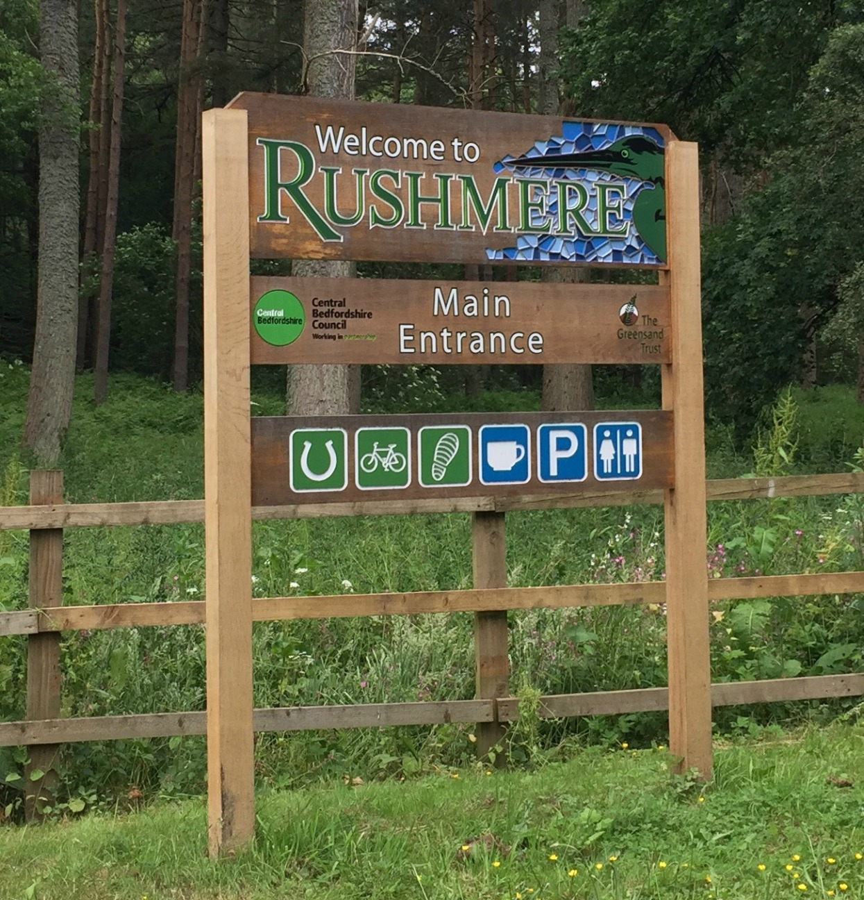 Entrance to Rushmere Park