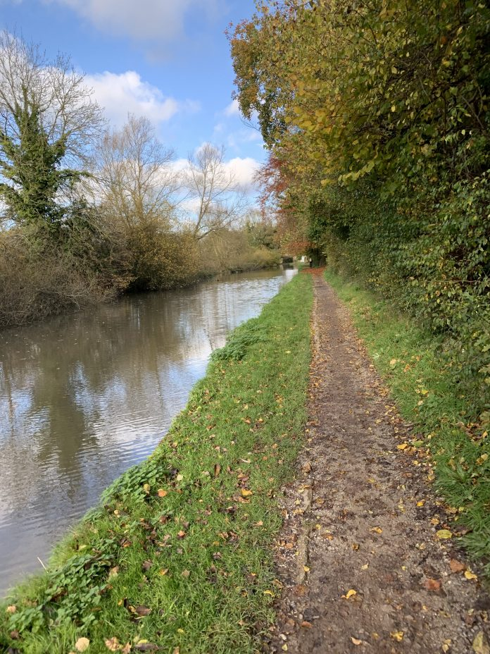 Grand Union Canal Trail ride